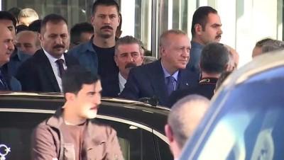 Cumhurbaşkanı Erdoğan, Eyüpsultan Belediyesi'ni ziyaret etti - İSTANBUL