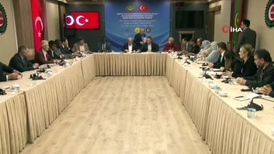 """HAK-İŞ Başkanı Arslan: """"Türkiye'yi de susturmak için herkes el birliğiyle çalışıyor"""""""