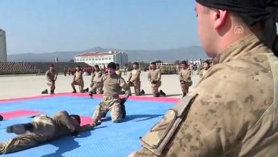 Jandarma uzman erbaşlar terörle mücadele için hazır - Gösteriler - İZMİR