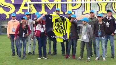 Suriyeli minik futbolcular, MKE Ankaragücü tesislerinde