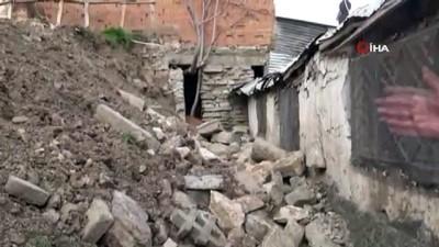 mustakil ev -  Evine önce istinat duvarı, sonra deprem zarar verdi