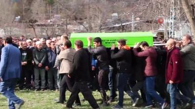 Trafik kazasında hayatını kaybeden Kadir Demir son yolculuğuna uğurlandı
