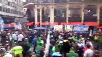 - Arjantin'de Halk Sokaklara Döküldü: 39 Gözaltı