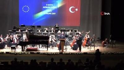 """eylem plani -  Bakan Çavuşoğlu: """"Türkiye'nin tam üyeliği tabii ki Türkiye için çok önemlidir. Şüphesiz AB'yi daha güçlü ve müreffeh kılacaktır"""""""