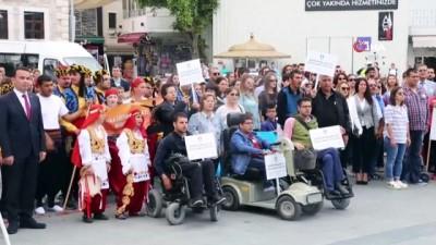 ogrenci velisi -  Engelliler Haftası, Bodrum'da renkli görüntülere sahne oldu
