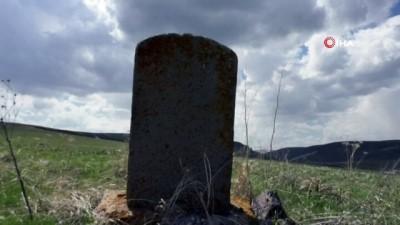 dogus -  Kars'ta Rus anıt mezarlar ortaya çıktı