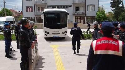 adliye binasi - Koyun otlatan kadını öldürüp koyunları çaldıkları iddiasıyla 5 kişi gözaltına alındı - UŞAK