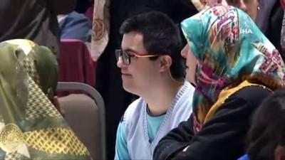 engelli genc -  Eyüpsultan'da engelli gençlerden annelerine özel gösteri