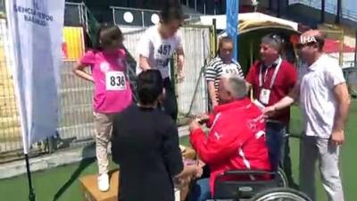 Bu koşunun kaybedeni yok... Engelli gençler haftalarını spor yaparak kutladılar