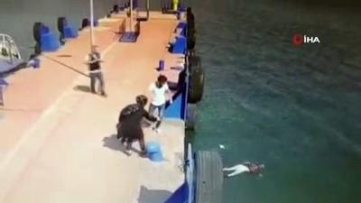 İskeleden denize atlayan kadını gemi görevlisi böyle kurtardı