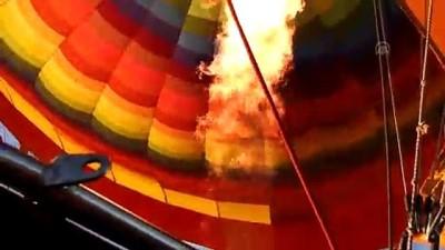 JÖAK timi sıcak hava balonundan atlayış gerçekleştirdi - NEVŞEHİR