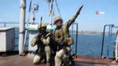 ic savas -  - Ukrayna'dan Rus gemilerini ele geçirme tatbikatı