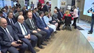 isaret dili - Engelliler Haftası Anma Pulu Tanıtım Toplantısı ve İşbirliği İmza Töreni (1) - ANKARA