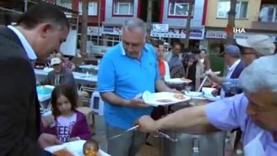 Hayırsever iş adamından her gün 500 kişiye iftar yemeği