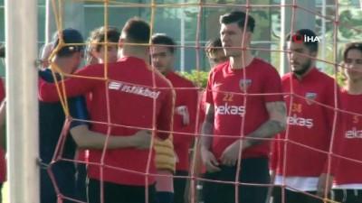 yildiz futbolcu - İstikbal Mobilya Kayserispor, Akhisarspor hazırlıklarına başladı