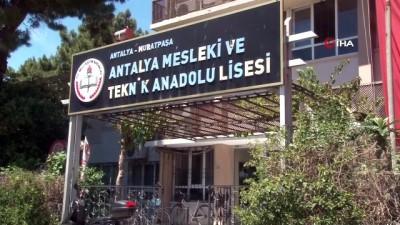 hapishane -  Antalya'da jiletli tellerle çevrili cezaevi görünümlü lise