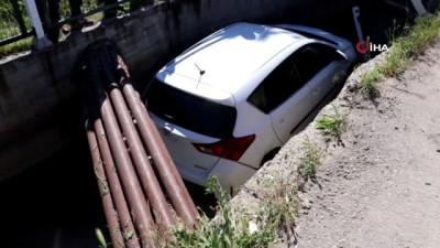 kadin surucu -  Kontrolden çıkan otomobil sulama kanalına uçtu