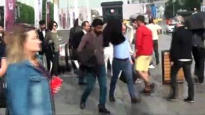 saganak yagis -  Taksim'de vatandaşlar yağmur hazırlıksız yakalandı