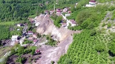 Ordu'da heyelanlı bölgedeki 15 ev yıkıldı (2) - Drone