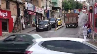 en yasli kadin - Yaşlı kadının kamyonetin altında metrelerce sürüklendiği kaza kamerada