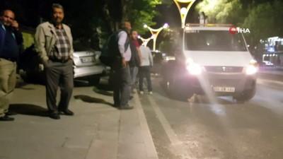 kabiliyet -  Alkollü sürücünün çarptığı otomobil bahçe duvarına girdi
