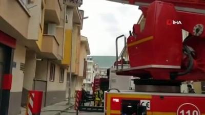 Babasına kızdı evi yaktı