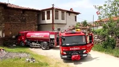 yangina mudahale -  Kömür dolu tarihi evde yangın çıktı