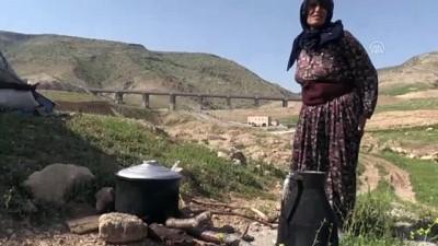 kar yagisi - Göçerlerin ramazanda günler süren zorlu yolculuğu (1) - BATMAN