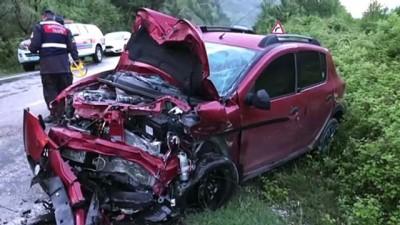 İki otomobil çarpıştı: 1 ölü, 4 yaralı - KARABÜK