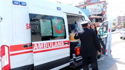 Alaşehir'deki 19 Mayıs kutlamalarında kız öğrenci bayıldı