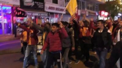 Ardahan'da Galatasaraylıların 'şampiyonluk' kutlamaları