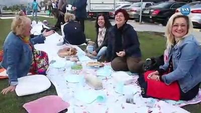 iftar sofrasi - İzmir'de İftar İçin Yeryüzü Sofrası