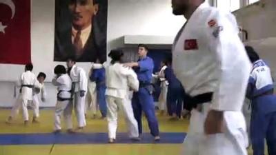 Milli judocunun hedefi olimpiyat madalyası - MANİSA