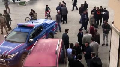 Sarıkamış'ta iki aile arasında silahlı kavga: 4 ölü, 7 yaralı