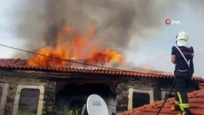Tarihi Kula evi, ikinci yangında tamamen küle döndü