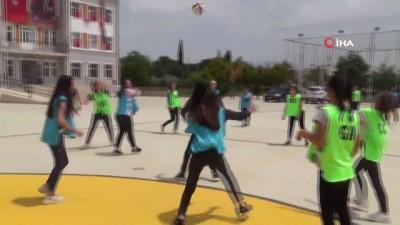 Türkiye'nin ilk 'Netball' maçı Denizli'de yapıldı
