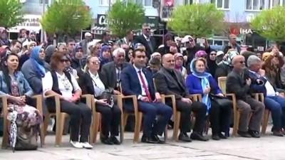 Hazreti Mevlana, temsili olarak Karaman'dan, Konya'ya uğurlandı