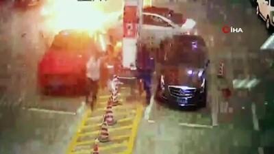 - Kontrolden Çıkan Araç Benzin İstasyonuna Daldı