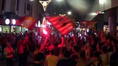 alabalik - Balıkesir'de Galatasaray'ın şampiyonluk coşkusu