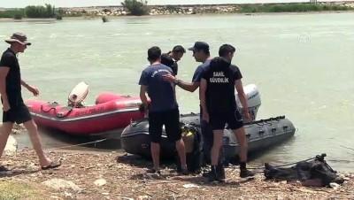 Berdan Nehri'nde kaybolan iki kişi aranıyor - MERSİN