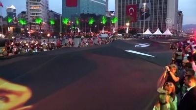 Fener alayında 350 metrelik Atatürk posteri açıldı - İZMİR