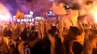 Galatasaray'ın şampiyonluk kutlamaları - MANİSA