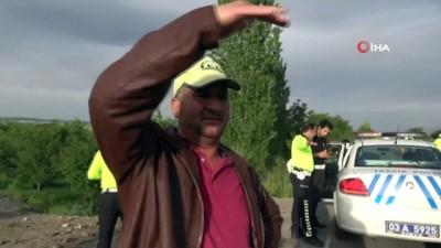 polis ekipleri -  İşçileri taşıyan midibüs devrildi: 7 kişi yaralı
