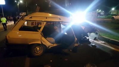 Otomobille otobüs çarpıştı: 3 ölü - KIRŞEHİR