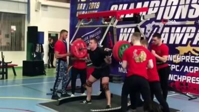 hastane - Rus halterci 250 kiloluk halteri kaldıramayınca bacakları kırıldı