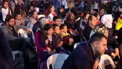 hatira fotografi - Yıldırım, Yenikapı ramazan etkinlikleri alanını ziyaret etti - İSTANBUL