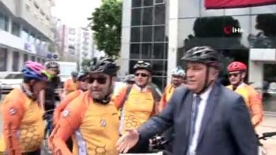 farkindalik -  Başkan Atay mesaiye 2 tekerlekli makam aracıyla geldi