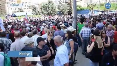 protesto - Lübnan'da Emekli Askerler Sokağa İndi