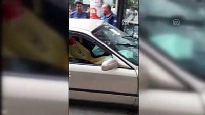 Otomobil kuyumcuya girdi - İZMİR