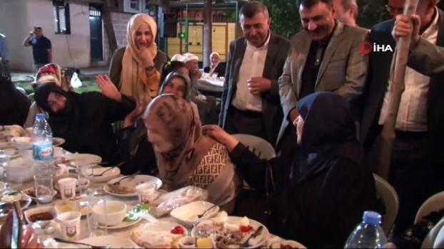 en yasli kadin -  Cumhurbaşkanı ile görüşmesini anlatan 107 yaşındaki asırlık çınar herkesi kahkahaya boğdu